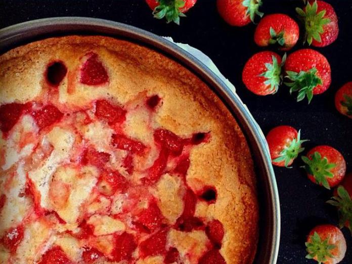 Goto Strawberry Cake